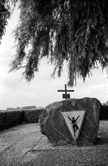 2018-11-14 Halen (B)F. Halen België, Zwarteduivels.  ONLY PERSONAL COMMENTS. NO LOGOS. THANK YO FOR YOUR UNDERSTANDING.© RESPECT the copyright. (YoLeenders) Tags: halenbelgië zwarteduivels oorlogsmonument routezilverhelmen analogblackwhite tmax100asa developertmax1420º nikoncoolscan5000ed leicam6ttl072 elmarit12821mmasph monochrome atmosphere limburginbelgië rangefinder