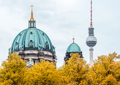 Staying 96 hours in Berlin. (catrall) Tags: germany deutschland berlin city capital church berlinerdom berlincathedral cathedral sight berlinerfernsehturm fernsehturm televisiontower tower dome nikon d750 fx sigmalens sigma art 24105 fall autumn september 2018