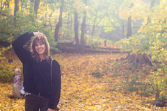Autumn portrait (Iván Lozano photography) Tags: autumn otoño canon carl zeiss t oslo norway noruega portrait retrato face girl smile planar