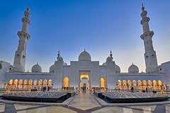 Sheikh Zayed Grand Mosque - Abu Dhabi (Joao Eduardo Figueiredo) Tags: sheikhzayedgrandmosque abudhabi sheikh zayed grand mosque abu dhabi nikon nikond850 joaofigueiredo joaoeduardofigueiredo united arab emirates unitedarabemirates uae muslim worship religion