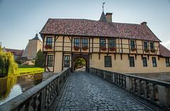 Burgsteinfurt_Schloss_Torhaus-1275 (encyclopaedia) Tags: burgsteinfurt schloss brd germany westfalen westphalia castle lightroom raw herbst autumn