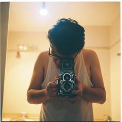 000006-11 (StillAlive | Life Photographer) Tags: rolleiflex 35f fuji pro160ns film photography selfie