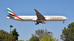 Boeing 777-31HER I A6-ENS I Emirates (Gustavo H. Braga) Tags: emirates boeing b777 photo aviation airplanes airport aviação aviacao aviao aeronaves aeroporto lisbon portugal avgeek