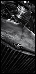 Lake Park: Veteran's Day (Burnt Umber) Tags: car auto automobile west palm beach florida show digitalisthedevil pentaxk5 september 2016 classic van ©allrightsreserved antique tail light lamp rpilla001 dosemstic ford gm detroit pentaxfa77mmf18 chrome fpord chevy olds oldsmobile skull hood ornament badge lakepark veteransday black white negra blanco silverefex phonetography fauxtography