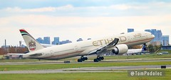 """Etihad Airways A6-ETG Boeing 777-300 (Tom Podolec) Tags: """"this image may be used any way without prior permission © all rights reserved 2018"""" news46 mississauga ontario canada toronto pearson international airport a6etg boeing 777300"""