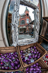 X-mas decoration (PaulHoo) Tags: nikon d300s 2018 fisheye samyang 8mm alkmaar city urban xmas christmas decoration mirror reflection building architecture street shopping shop store