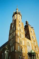 kościół Mariacki (azusa91) Tags: krakow poland street church leica summicron kentmere400 lomography800 nikon35ti