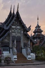 Wat Chedi Luang (Thomas Mülchi) Tags: chiangmai chiangmaiprovince thailand 2018 sunny buddhism buddhisttemple temple changwatchiangmai th