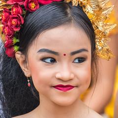 IMG_6698-tr (JLBenazra) Tags: bali cérémonie sawan indonésie costumes