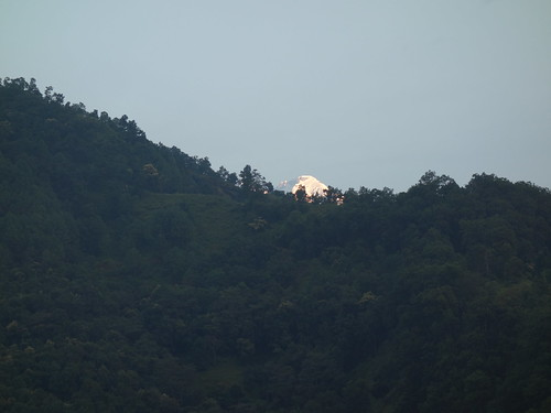 C'est l'heure idéal pour apercevoir les monts enneigés des Annapurnas