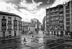 La tarde pasa (galavardo) Tags: panasonic lumix g80 leica818mm blancoynegro byn blackandwhite avilés asturias españa spain street mirrorless