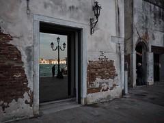 seethrough (paddy_bb) Tags: olympusomd paddybb 2018 mft microfourthirds italy architecture wellen italia water seascape italien waves venice venezia veneto venedig