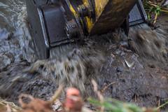 (2018.09.26) Limpeza do Rio na Vila dos Mineiros (Prefeitura de Itapevi - Perfil Oficial) Tags: prefeituradomunicipiodeitapevi secretariamunicipaldeinfraestruturaeserviçosurbanos meioambiente limpeza lixo agua euamoitapevi