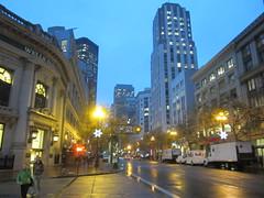 Looking east down Market Street (Randy Gardner 88) Tags: sanfrancisco rainy night dusk evening marketstreet muni grant grantstreet unionsquare sidewalk street buses bus cars streetlights