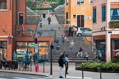 mur de canut (Rasande Tyskar) Tags: mural mur wandmalerei wandgemälde wall painting streetart art street lyon france frankreich kunst mauer haus house block murdecanut croixrousse