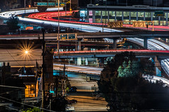 soma graticule (pbo31) Tags: bayarea california nikon d810 color october 2018 fall night dark boury pbo31 sanfrancisco city urban black potrerohill over lightstream motion traffic roadway centralfreeway overpass soma ramp 101 80 red
