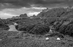 Flikr-12.jpg (g_allan) Tags: 2018 landscape genre stonehaven filmnegative ~where hp400 scotland aberdeenshire ~photography landscapephotography coastal filmphotography scanned blackandwhite bw dunottarcastle