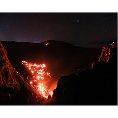 Forces of the Planet (Robyn Hooz) Tags: volcano vulcano lava ursamajor bigdipper bootes stars stelle eruption crater cratere piton fournaise island isola active interstellar antico old summer spring capricorn