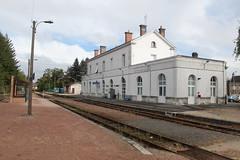 Gare de Romorantin (France) (rastgt1962) Tags: narrowgauge schmalspurbahn schmalspur bahnhof sncf blancargent trainstation railwaystation 41 loiretcher