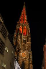 Turmfinale - rot (alopecosa) Tags: farbleuchten freiburg turmfinale freiburgermünster