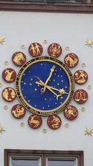 Die astronomische Rathaus-Uhr in Worms (fotoculus) Tags: rheinlandpfalz deutschlandalemaniagermanyduitslandalemanhagermaniaallemagnetyskland worms rathaus astronomischeuhr