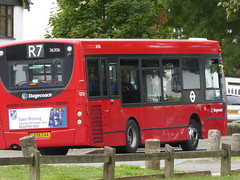 """The rear of 36306 LX56 EAA on route R7, 18th September 2018. (Tom """"ROUNDABOUT Bus Preservation"""") Tags: bus lx56eaa"""