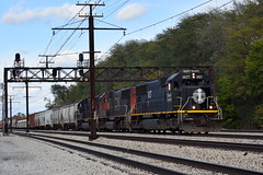 Let the good times roll (Robby Gragg) Tags: ic sd70 1027 flossmoor
