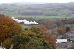 WCR 1Z10 'The Pendle Dalesman' approaches Settle with Stanier LMS 8F No. 48151 on a cold dull autumnal morning 27-10-18 © (steamdriver12) Tags: yorkshire north west riding frosty autumnal wcr 1z10 the pendle dalesman approaches settle stanier lms 8f no 48151 cold dull morning smoke steam preservation heritage mainline england coal oil