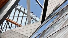 5 (roberke) Tags: architecture architectuur museum modern parijs paris lv sky lucht detail lijnen reflecties