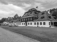 Schloss Luberegg (schasa68) Tags: schloss luberegg niederösterreich loweraustria wachau welterbesteig schwarzweis blackandwhite hdr austria österreich bw gebäude bauwerk museum