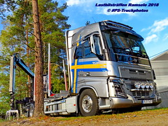 IMG_1793 LBT_Ramsele_2018 pstruckphotos (PS-Truckphotos) Tags: pstruckphotos lastbilsträffenramsele2018 lastbilstraffen lastbilstraffense ramsele truckmeet truckshow sweden sverige schweden truckpics truckphoto truckspotting truckspotter lastbil lastwagen lkw truck scania volvotrucks mercedesbenz lkwfotos holztransport timber timbertruck kurzholz langholz