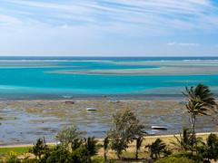P1000923.jpg (cédricpeltier) Tags: voyage océan rodrigues paysage bateau plage portsudest