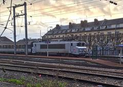 Compiègne Picardy France 7th December 2017 (loose_grip_99) Tags: compiegne picardie picardy france railway railroad rail train engine locomotive dawn electric station gare december 2017 chemindefer
