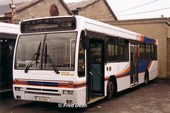 Dublin Bus P39 (93D3039). (Fred Dean Jnr) Tags: dublinbus p39 93d3039 broadstonegaragedublin july2003 busathacliath dublin cityswift daf bus buseireannbroadstonedepot broadstonedepotdublin sb220 broadstone plaxton verde
