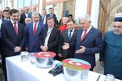Binali Yıldırım Azerbaycan'da aşure dağıttı (haberihbarhatti) Tags: azerbaycan basın bm cami islam kırgızistan milli türk türkiye uluslararası