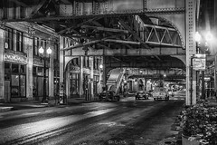 Chicago Downtown - 8 PM (Götz Gringmuth-Dallmer Photography) Tags: chicago night nightshot blackandwhite street streetphotography