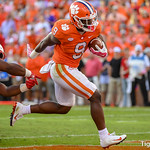Travis Etienne Photo 12