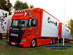IMG_2125 LBT_Ramsele_2018 pstruckphotos (PS-Truckphotos #pstruckphotos) Tags: pstruckphotos pstruckphotos2018 lastbilsträffen lastbilsträffenramsele2018 gardskär truckpics truckphotos lkwfotos truckkphotography truckphotographer truckspotter truckspotting lastwagenbilder lastwagenfotos berthons lbtramsele lastbilstraffenramsele lastbilsträffenramsele truckmeet truckshow ramsele sweden sverige lkwpics schweden lastbil lkw truck lorry mercedesbenz newactros truckfotos truckspttinf truckphotography lkwfotografie lastwagen auto