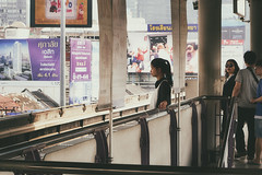 (a└3 X) Tags: street alexfenzl color farbe people olympus person streetphoto streetphotography 3x city citylife urban a└3x menschen availablelight wow leute menschenbilder bangkok thailand