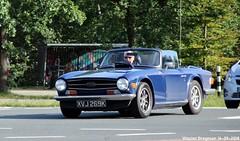 Triumph TR6 1972 (XBXG) Tags: xvj269k triumph tr6 1972 triumphtr6 cabriolet cabrio convertible roadster tourer blue bleu zandbergenlaan n238 zeist nederland holland netherlands paysbas vintage old classic british car auto automobile voiture ancienne anglaise brits uk vehicle outdoor