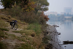 Smokey Sacramento (adrianonymous) Tags: sacramento sac shimano sbk steelisreal bridgestone cyclecats jonesbars veloorange 26er ergogrips hyrdroflask brookssaddles carfree fuckcars rideafuckingbike