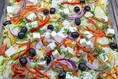 Ein gemischter Salat mit Gurken, Paprika, Zwiebeln, schwarzen Oliven, geriebenen Karotten und Feta Käse (verchmarco) Tags: food lebensmittel salad salat cheese käse vegetable gemüse meal mahlzeit cuisine kochen dinner abendessen oil öl lunch mittagessen appetizer vorspeise restaurant plate teller tomato tomate dish gericht healthy gesund diet diät lettuce grünersalat epicure feinschmecker delicious köstlich refreshment erfrischung catwa football fish japan second avatar dof colorful vacation foliage