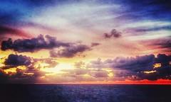 Winter comes (G.Billon) Tags: côtedémeraude îleetvilaine breizh bretagne longchamp saintlunaire bzh beach seascape clouds sunset cameraphone iphoneography iphone gbillon