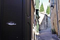 13 bis_7018 rue de l'Hôtel de Ville Arles (meuh1246) Tags: streetart 13 arles 13bis ruedelhôteldeville oeil