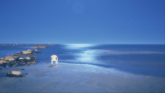 luna piena (maurizio.s.) Tags: sea water sky moon light moonlight beasch sand landscape seascape outside night white blu nature naturephotography blue summer 28mm nikon 28mme chair peace martinsicuro abruzzo