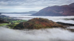 Swinside Fell (Rich Walker Photography) Tags: weather temperatureinversion cloudinversion lakedistrict cloud clouds landscape landscapes landscapephotography morning cumbria sky mountain hill canon eos eos80d efs1585mmisusm england