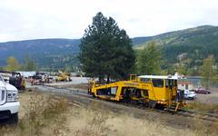Crossing at Celgar Pulp (arrowlakelass) Tags: cpr railway engineering mow engineeringservices tamper celgar rail crossing p1200344edit