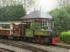 'Alpha' departs from Statfold Junction (WelshHatter2000) Tags: statfoldbarnrailway hudswellclarke 060pt 1172 alpha narrowgauge steam locomotive gala