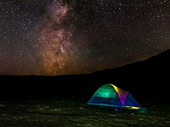 Quan l'univers s'abalanci sobre teu, pots resguardar-te a la meva tenda (Ramon InMar) Tags: