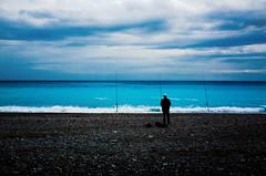 Blue solitude (Chris, photographe de rue niçois (Nice - French R) Tags: mer nice frenchriviera sea contemporaryphotography photographiecontemporaine modernart artmoderne artgalleryandmuseums artcontemporain